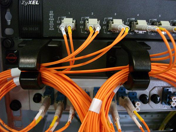 P развитие оптоволоконных сетей приближает нас к моментальной скорости интернета/p
